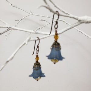Jewelry - Earrings - Acrylic Blue Flowers